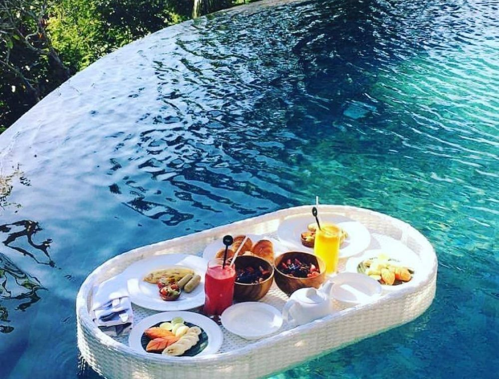 pool breakfast tray